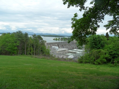 Dam on Douglas Lake