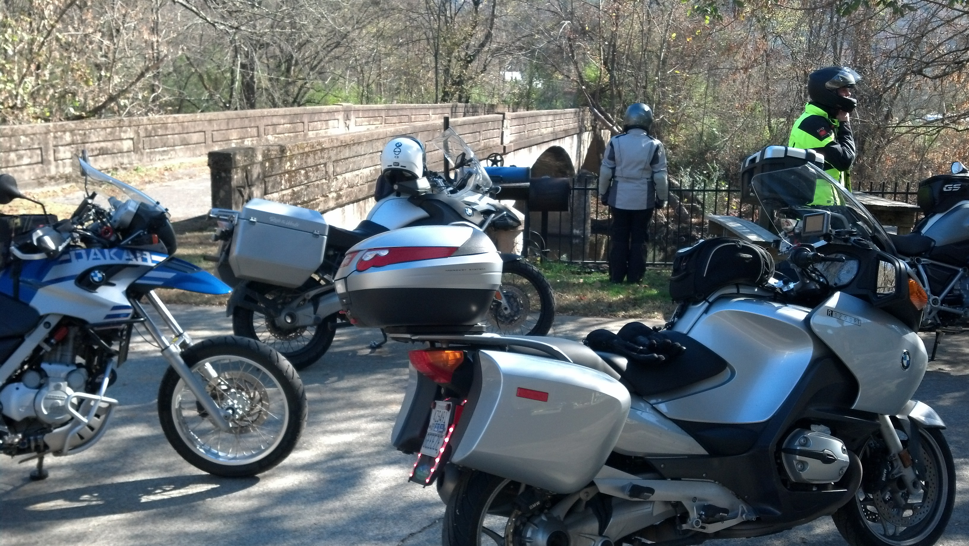 We take a pleasant tour on the motorcycle in November